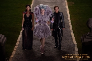 katniss-effie-peeta-catching-fire