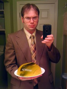 dwight-schrute-the-office-halloween-costume